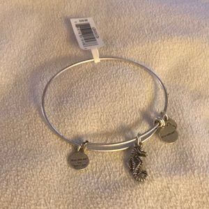 Nwt 🎀 Alex and Ani Seahorse stackable bracelet 🎀